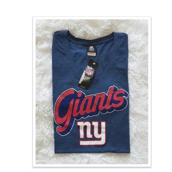 meet f5a9a e11fd Official NFL New York Giants womens V-Neck NWT